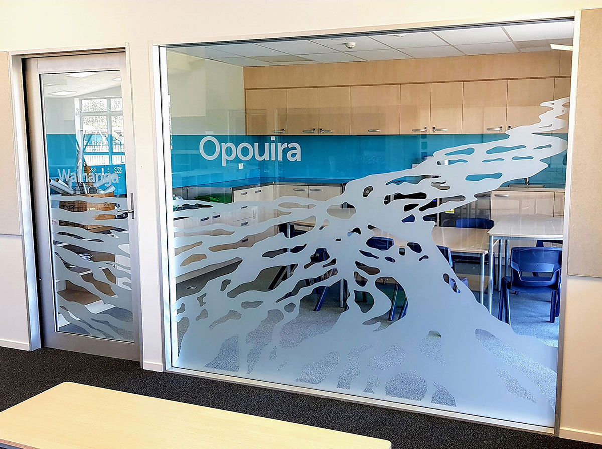 Ōpouira Breakout Space Glass Manifestations